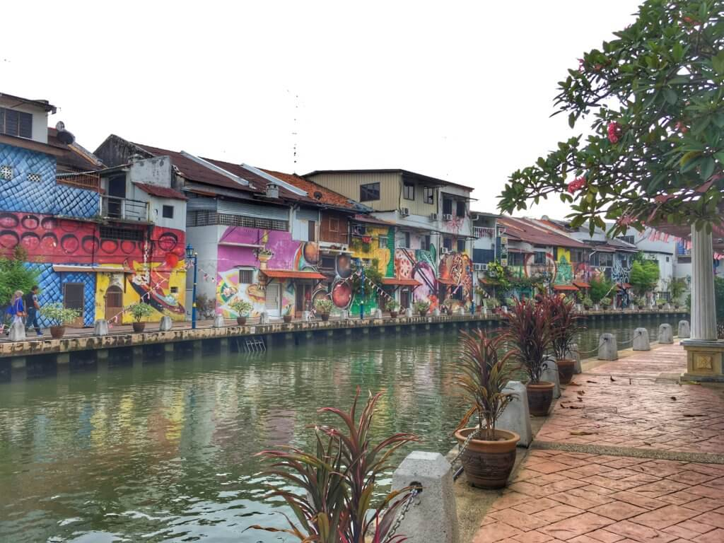 The river and graffiti covered buildings in Melaka/Malacca, Malaysia